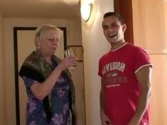 granny pick up