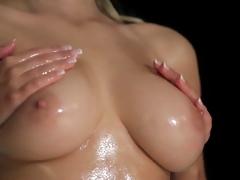 beauty big natural tits