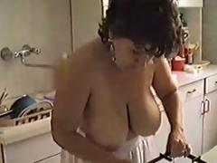 housewife kitchen