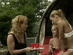 lesbian teen nude