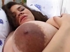 9 months pregnant bush